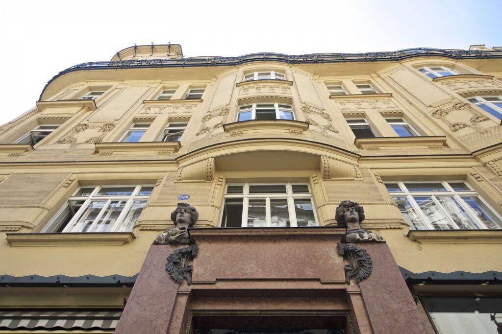 U Prašné brány 1078/1, Staré Město, 110 00 Praha 1